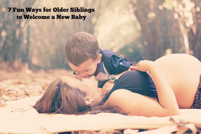 7 Fun Ways for Older Siblings to Welcome a New Baby